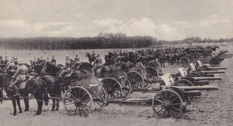 10,5cm lFH 1916 with the Limber and horse team
