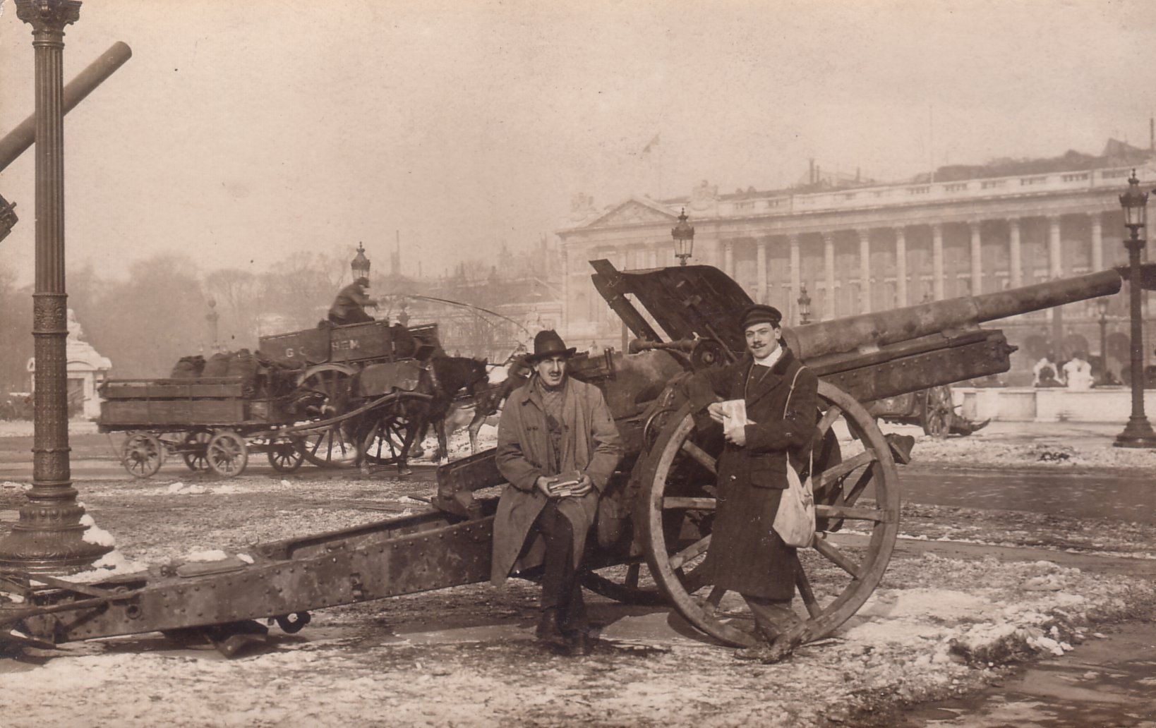 10cm Kanone 1914 captured by the French in Paris