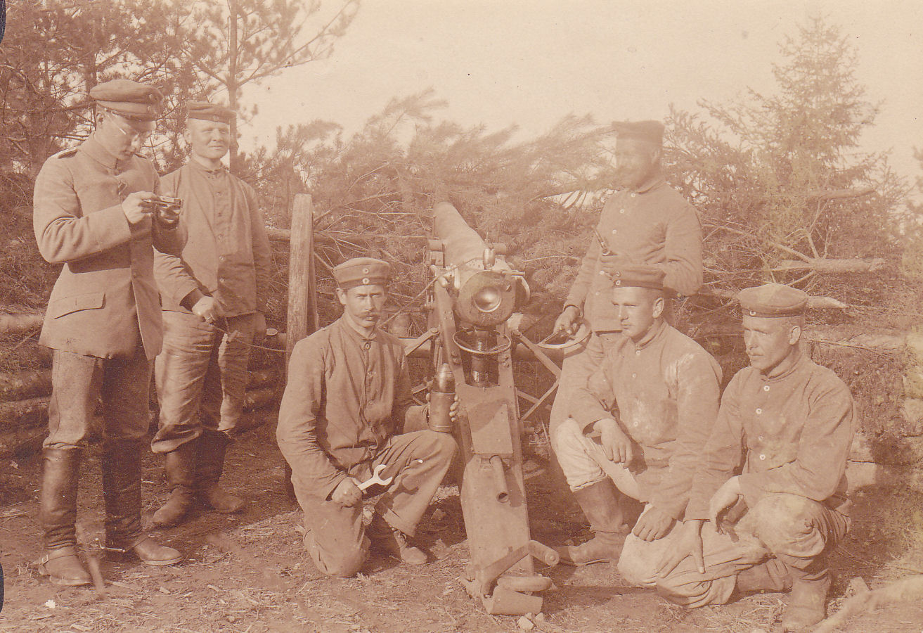 Below: 9cm Kanone 1873 with its Foot Artillery crew. the indirect fire  sight is set over the breechring. Note that the 9cm C/1873 was in service  with both ...