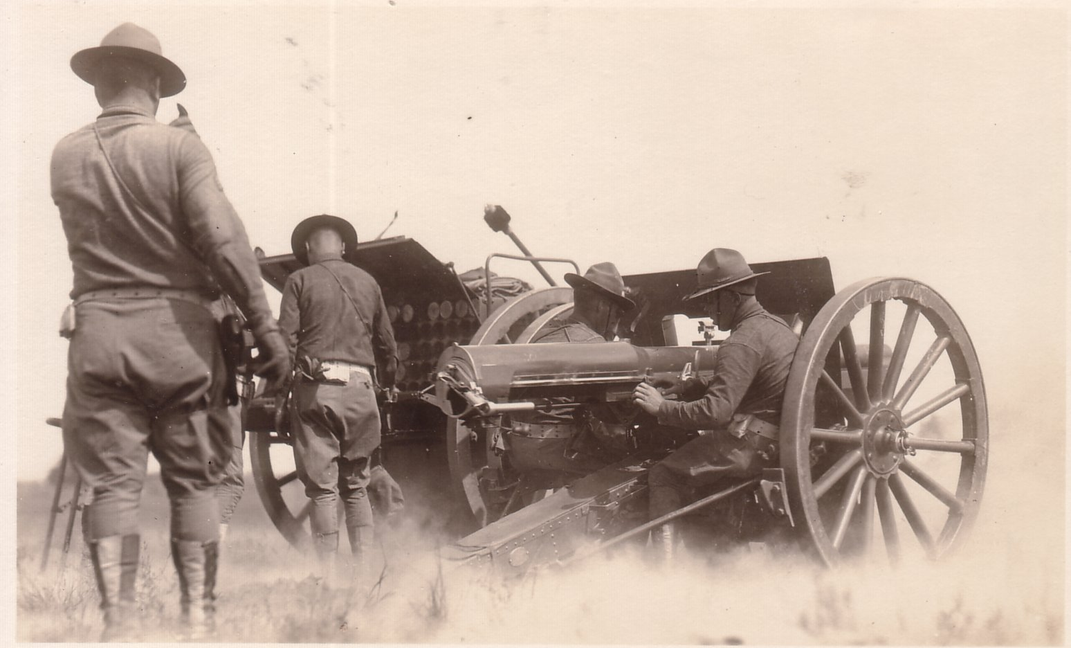 French 75mm with the US M1918 Caisson